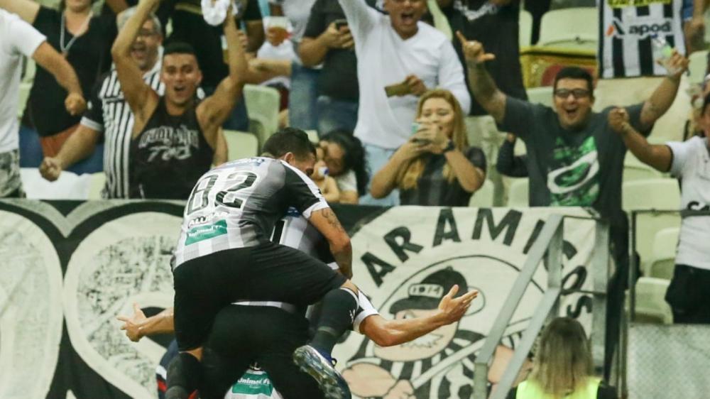 Ceará vence Grêmio, na Arena Castelão, e sobe para 12ª posição na tabela.