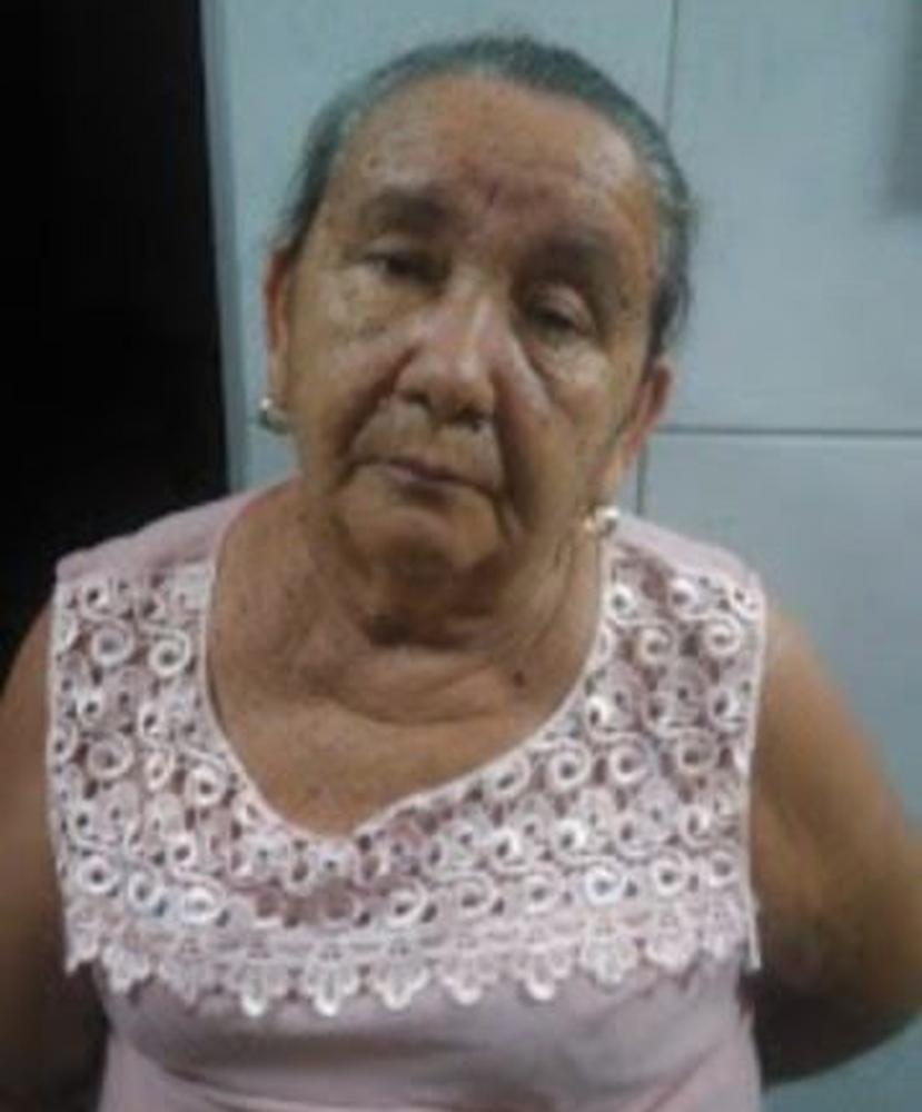 Idosa foi detida por moradores após furtar quatro aparelhos celulares em Guaraciaba do Norte, no Ceará — Foto: Reprodução/SVM