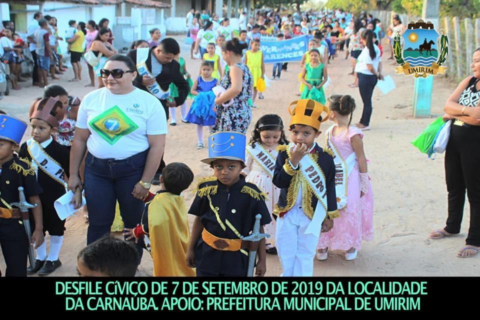 Desfile Cívico na localidade de Carnaúba; galeria de fotos