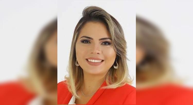 Prefeita Carolina Ramalho