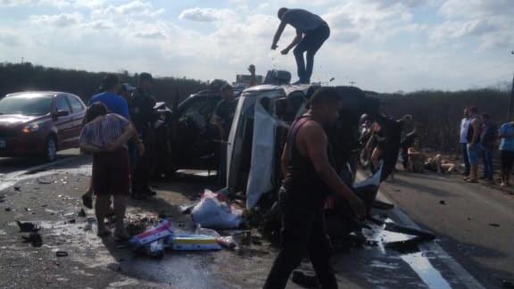 O acidente envolveu uma Doblô e um Jeep Renegade
