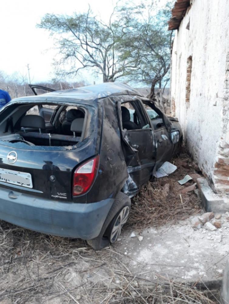Condutor não resistiu aos ferimentos e faleceu no local. — Foto: Reprodução/Sistema Verdes Mares