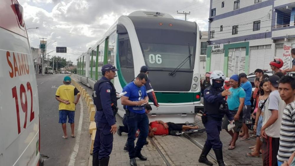 O Samu socorreu a vítima para um hospital na região. — Foto: Maristela Gláucia/ Sistema Verdes Mares