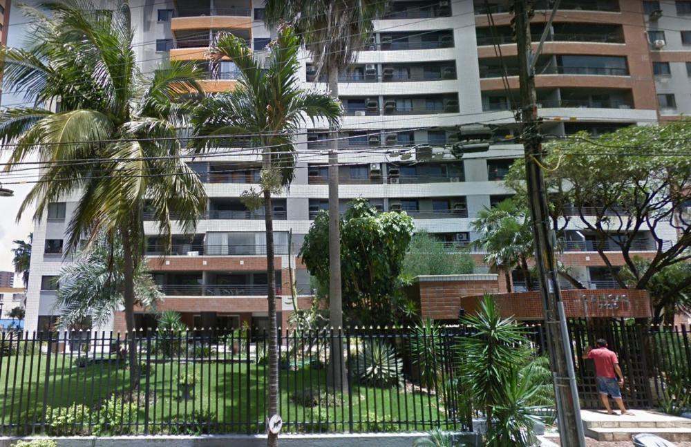 Um operário morreu após despencar do prédio onde trabalhava no Bairro Varjota, em Fortaleza — Foto: Reprodução/SVM