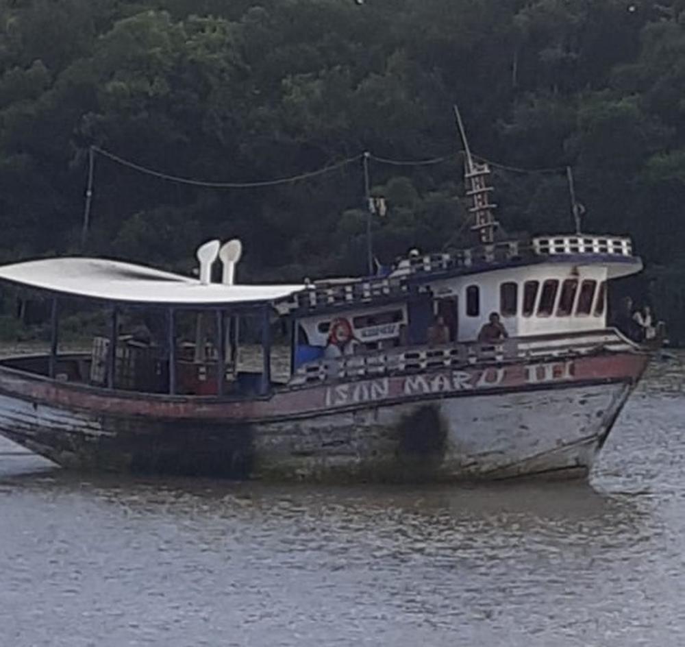 Embarcação foi encontrada próximo ao município de Bragança, no Pará — Foto: Marinha do Brasil