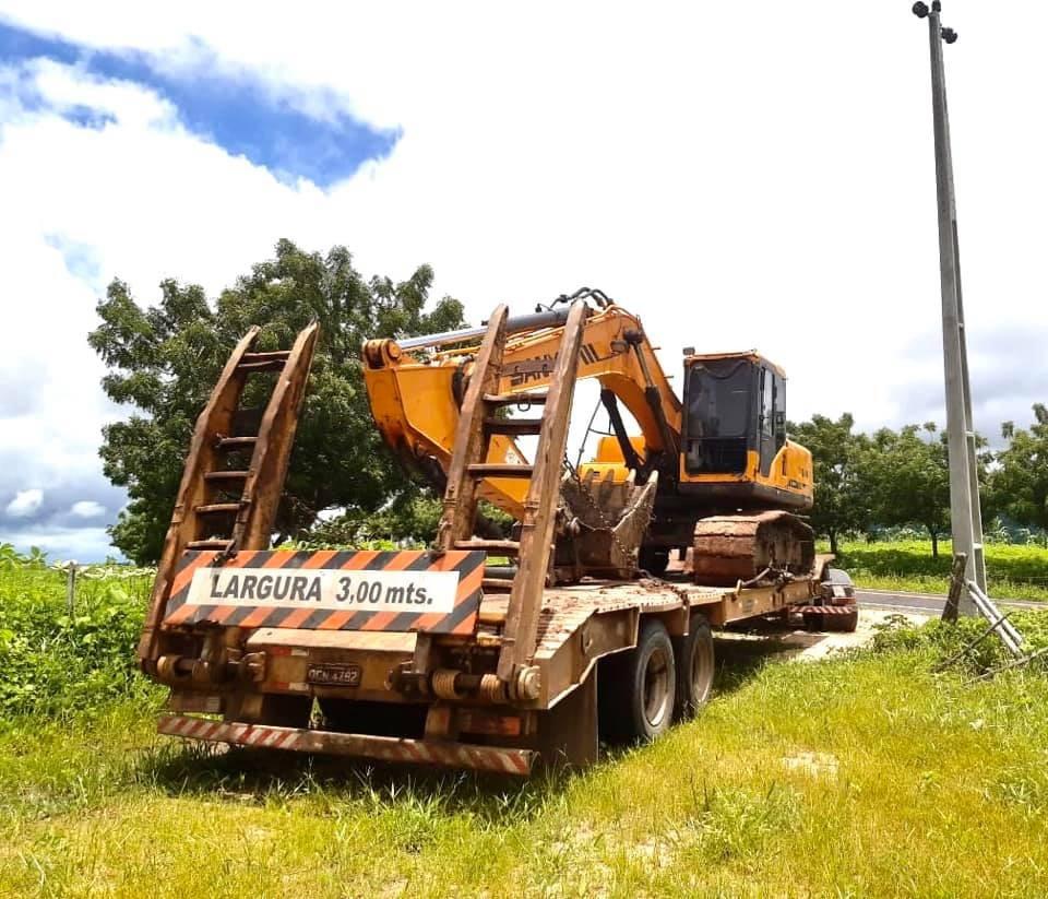 Maquinário garante a recuperação de estradas em Caxitoré, São Joaquim e zona rural de Umirim