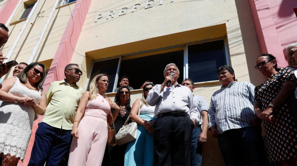 Artur Wagner assumiu a Prefeitura de Uruburetama com o afastamento de José Hilson, em julho de 2019