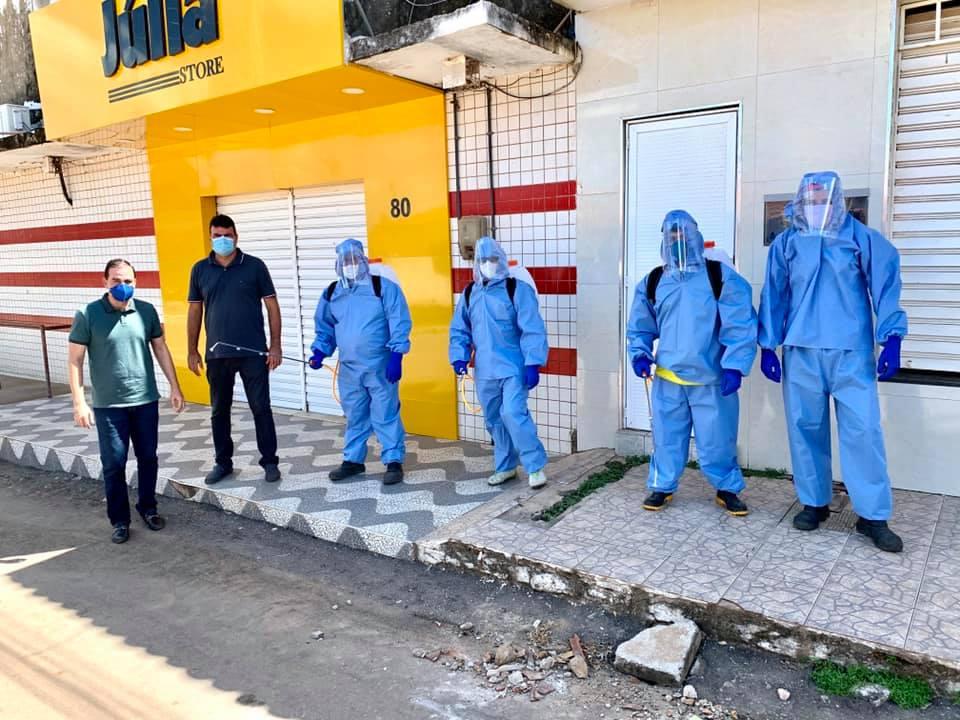 Prédios e espaços públicos de Umirim são desinfectados para combater o coronavírus