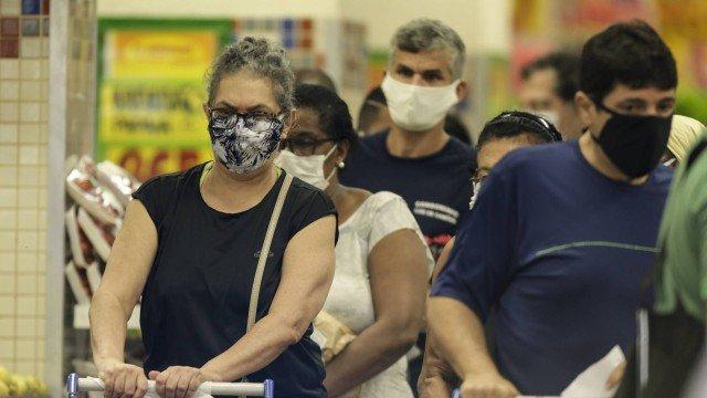 Câmara aprova uso obrigatório de máscaras em todo o país