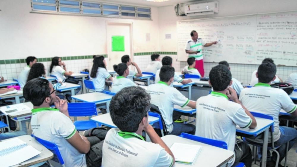 Aulas presenciais na rede pública do Ceará não têm data definida para retorno, informa Seduc