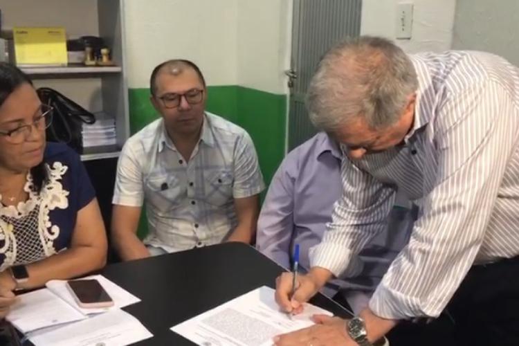 Ministério Público investiga ausência do cargo do prefeito de Uruburetama