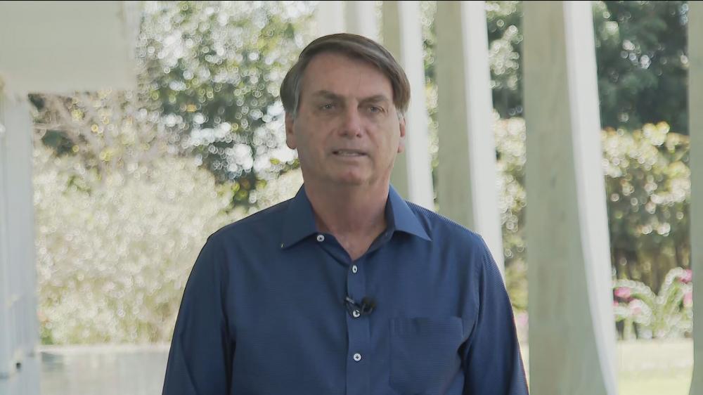 Bolsonaro evolui bem da Covid-19, afirma governo